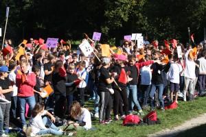 450 jeunes en marche sur les pas de Saint Dominique !
