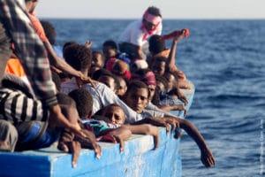«Tendre la main: expériences de sauvetage en mer Egée et en Méditerranée centrale»