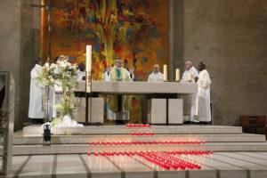 Célébration pour les victimes des attentats du Sri Lanka